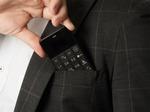 カードサイズのSIMフリーケータイがVoLTE対応! 「Niche Phone-S+」がMAKUAKEで先行販売