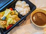 野菜多すぎ~!デリバリー店「野菜が主役のベジカレー」の350g野菜盛りカレーでベジ満足できました