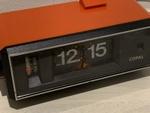 昭和レトロ感がすごい 懐かしいパタパタ時計が出てきました