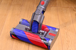 ダイソン、クイックルワイパーみたいな掃除機 バルミューダに似てるね