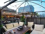 【横浜】夏じゃなくてもBBQやりたい! 「食べ放題BBQビアガーデン」が横浜モアーズの最上階にオープン