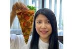 ドミノ史上最大級のビッグサイズ「ピザ」持ち帰り限定でスタート!ピザカッターが付くよ