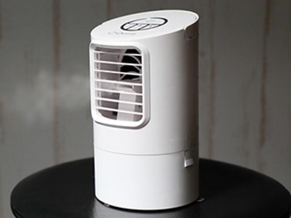 マイナス7度の涼しい風が吹きつける冷風扇・卓上モデル