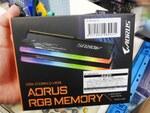 ダミーモジュール付属の光るGIGABYTE製メモリーにDDR4-3733版が追加