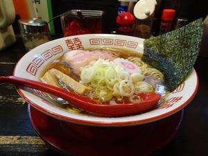 チェーン店のような外観でも味は本格派 ラーメン サカモト(東京・昭島)【ZATSUのオスス麺 in 武蔵野・多摩】第56回