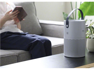 家のどこでも手軽に運べるポータブル空気清浄機「Aire Portable mini」が8990円(5月末発売)