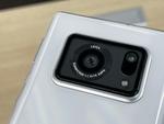 ドコモ、1インチセンサーカメラを搭載の5Gスマホ「AQUOS R6」を発売