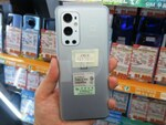 Hasselbladカメラを搭載した5Gスマホ「OnePlus 9 Pro」がアキバに登場