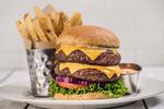 ハンバーガー無料チケットが当たる、ハードロックカフェ50周年記念Twitterキャンペーン