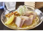 ラーメン評論家監修「冷やし塩ら〜麺」、麺屋武蔵と大崎裕史氏がコラボ menuによるデリバリー限定販売
