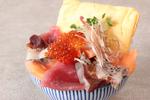 贅沢ランチがワンコインに!「海鮮こぼれ盛り丼」が期間限定で半額500円、7月12日から