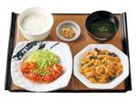 欲張ってもいいんですか?「やよい軒」で「木須肉×鶏チリ」Wメインの定食