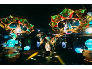 横浜ワールドポーターズのアクアリウム宇宙旅行「UNDER WATER SPACE」2023年1月15日まで期間延長