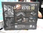 AMD X570採用のファンレスマザー「X570S UD」がGIGABYTEから発売