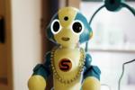 ロボットによる接客で真珠のネックレスを買う時代は来るか